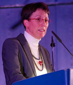 Die erste Landesbeamtin, Dr. Marion Leuze-Mohr, sieht in Karl Pfaff einen wichtigen Vorkämpfer des Chorgesangs. Foto: Krytzner