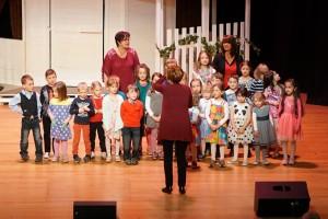 SingMit Weil der Stadt und KiGa Mammutzahn bei bemeinsam Begrüßungslied