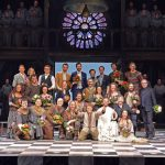 """Sängerinnen und Sänger aus dem COE singen beim Musical """"Der Glöckner von Notre Dame"""""""