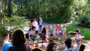 Wenn Singen Spaß und Lebensfreude ausdrückt – Carusos! In der Kita Nord Leonberg