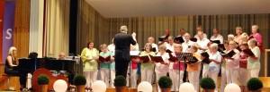 ChorClassic des LK Münchingen unter der Leitung von Udo Königs, begleitet von Anna Kost