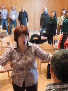 Clara Sattler und Teilnehmer