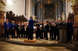 Der Katholische Kirchenchor unter der Leitung von Josef Ehrmann