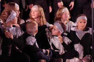 Kinder sangen Auszüge aus Leben im All