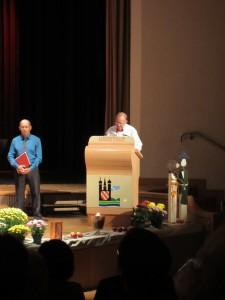 Begrüßung 1.Vorsitzender H.Fischer mit Chorleiter A.Lotz