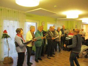 Liedertafel Ehingen überbrachte Weihnachtswünsche in`s Pflegeheim in der Römergarten-Residenz im Haus Katrin