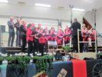 Liederkranz Öpfingen singt Hits aus Film und Fernsehen und unterhält das Publikum mit drei Chören