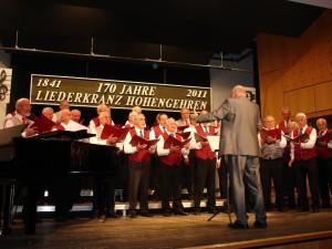 Zum letzten Mal bei einem großen Konzert dirigierte Gotthilf Greiner den Männerchor. Er gibt zum Jahresende sein Engagement in Hohengehren auf