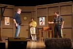 Bühnenbildkulisse aus dem Musical Oklahoma! sucht neue Verwendungsmöglichkeit