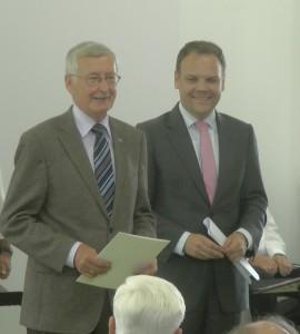 Udo Goldmann bedankt sich für die Ehrennadel
