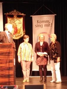 von l nach r: Brigitte Neubert, Monika Grohmann und Heidi Gerster traten nicht mehr zur Wahl an