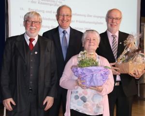 Verabschiedung von Gerhardt Stähle (v.li. Klaus Daniels stellv. Präsident, Siegfried Schneider neuer Präsident, Gerhard Stähle und Ehefrau Andrea Stähle)